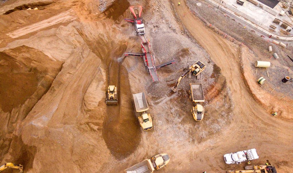建設現場のドローン